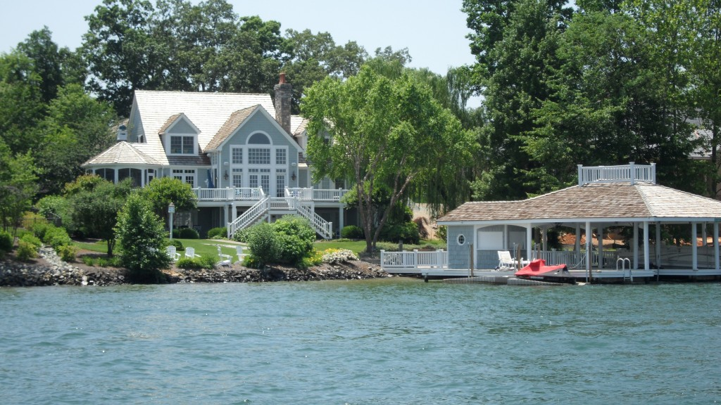 Smith Mountain Lake Custom House Island Mvp